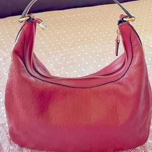 Gucci bag in good condition. Made in Italy.